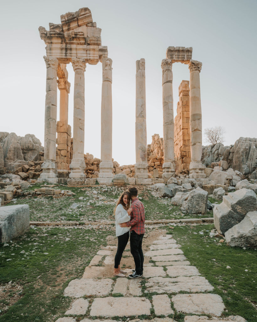 Liban ruins couple Best Places in Lebanon