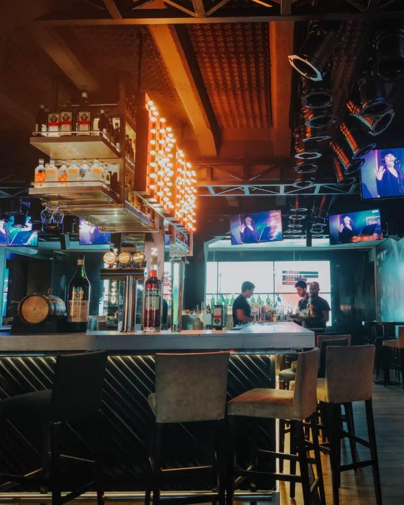 Johny b good Bar