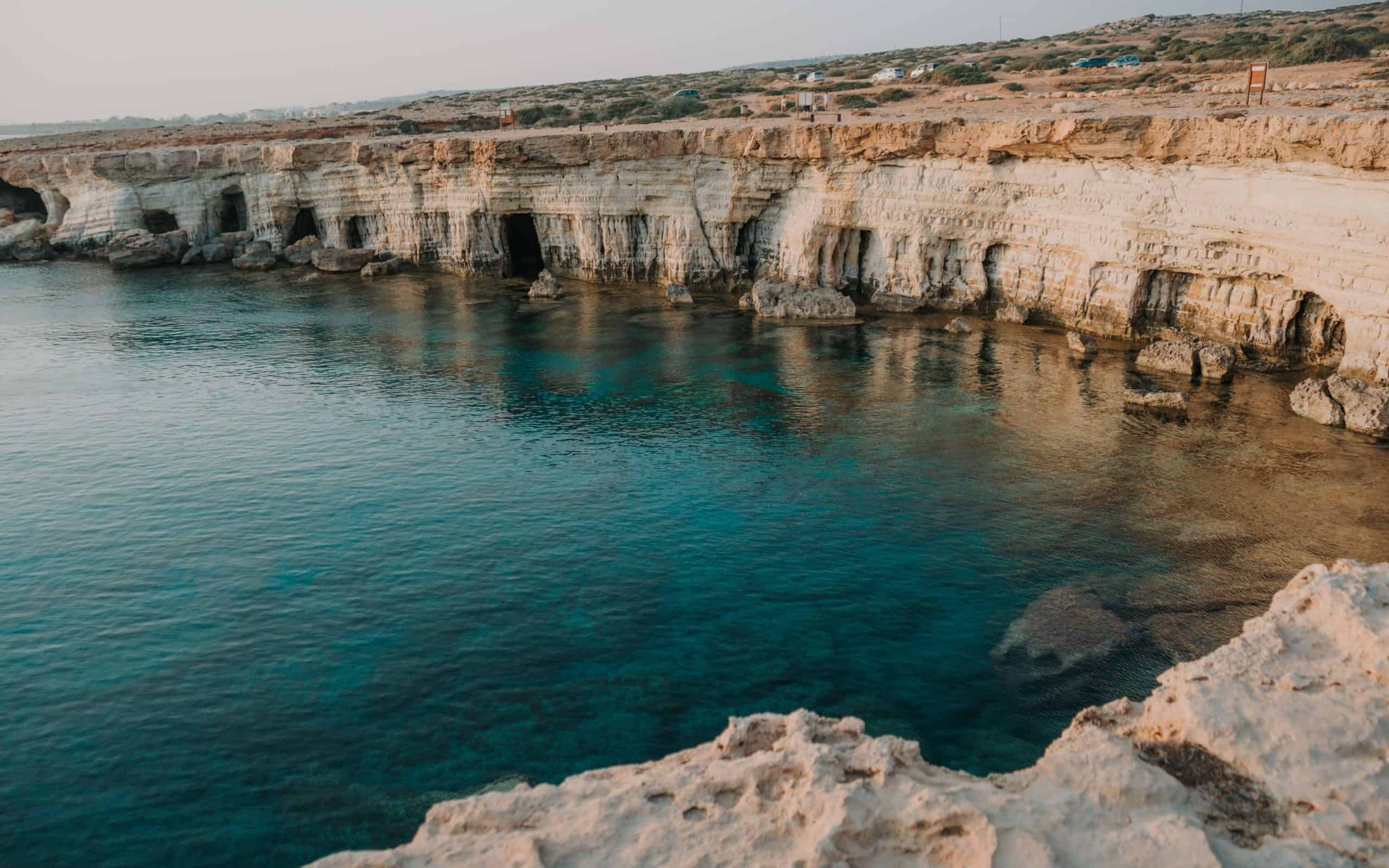Sea Caves Ayia Napa miejsce na zachód słońca