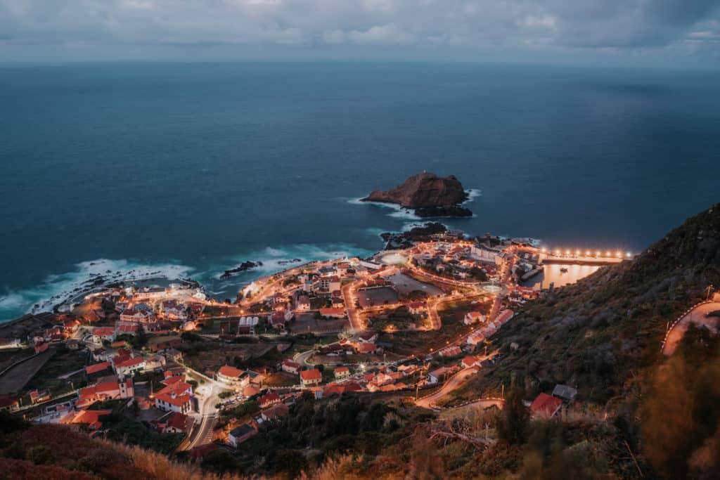 Porto Moniz nocą punkt widokowy Madera