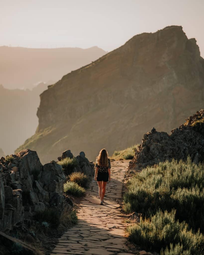 Pico Arieiro to Pico Ruivo hike