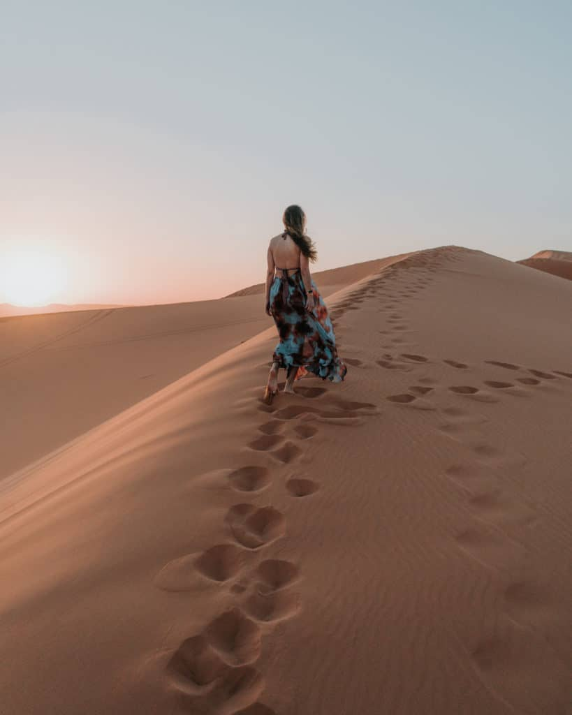 pystynia sahara erg chebbi maroko