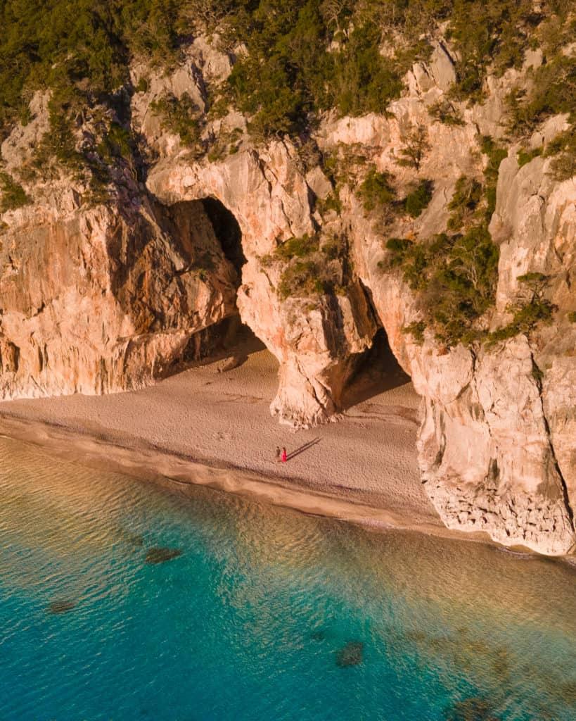 cala luna szlak na cala luna sardynia najpiękniejsze plaże