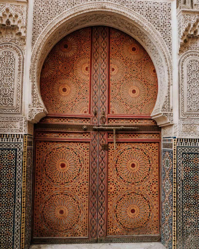 zdobione drzwi medina fez maroko