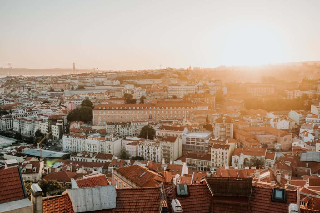 zachód słońca nad lizboną miradouro da senhora do monte najlepsze punkty widokowe w lizbonie