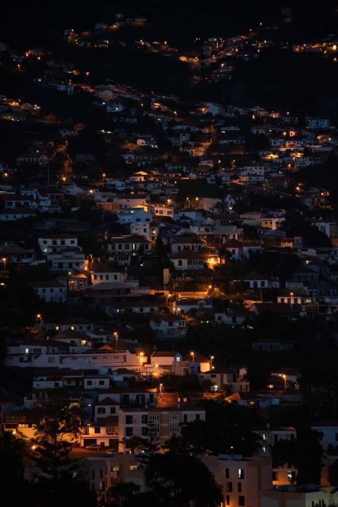 zdjęcie nocą obiektyw sony 70-200 f4.0