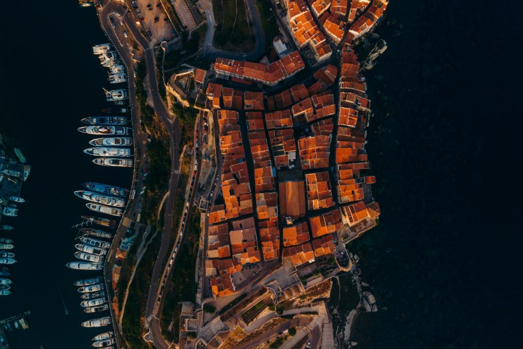 jak dostać się na Korsykę Korsyka promem